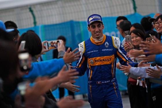 Buemi dominates Beijing ePrix