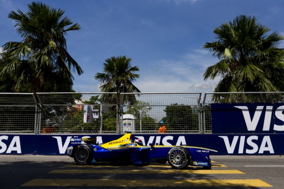 Buemi on top in first free practice session