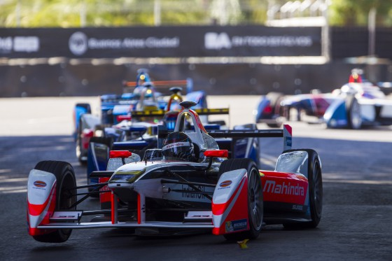 Heidfeld overcomes injury to claim points