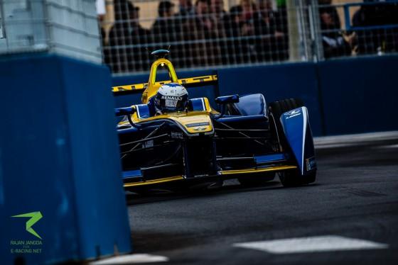 Closed Circuit: Renault e.dams in Paris