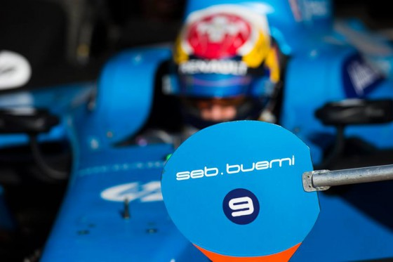 Buemi fastest as Bird crashes in FP2
