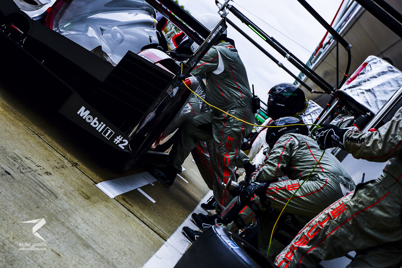Porsche LMP1 Team practicing their pit-stops on Thursday
