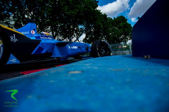 Buemi beats Vergne to pole in Paris