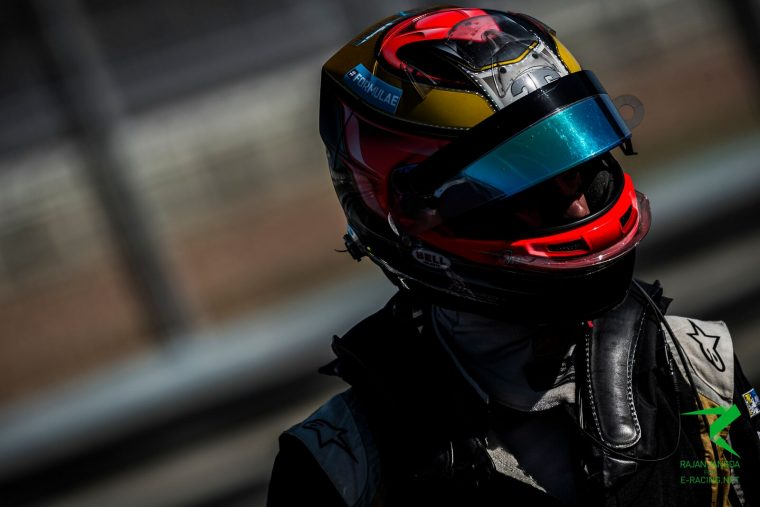 Vergne secures pole for season opener
