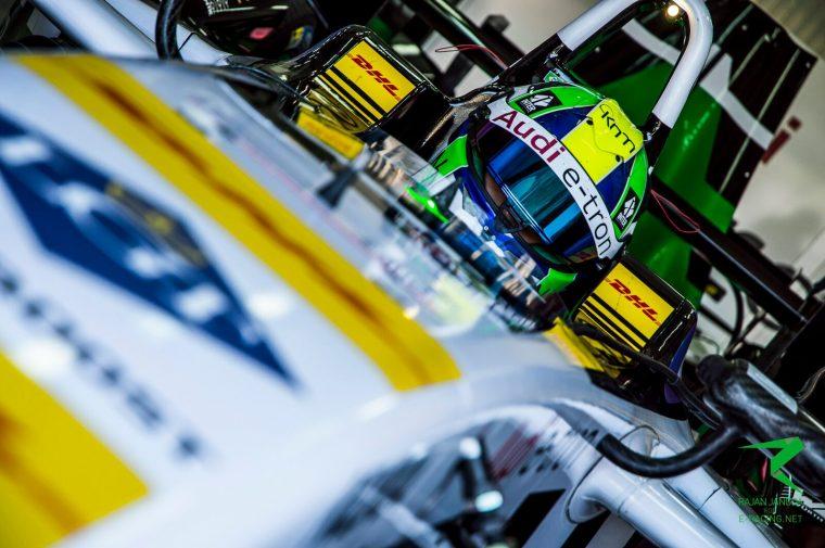 di Grassi back on track in FP1