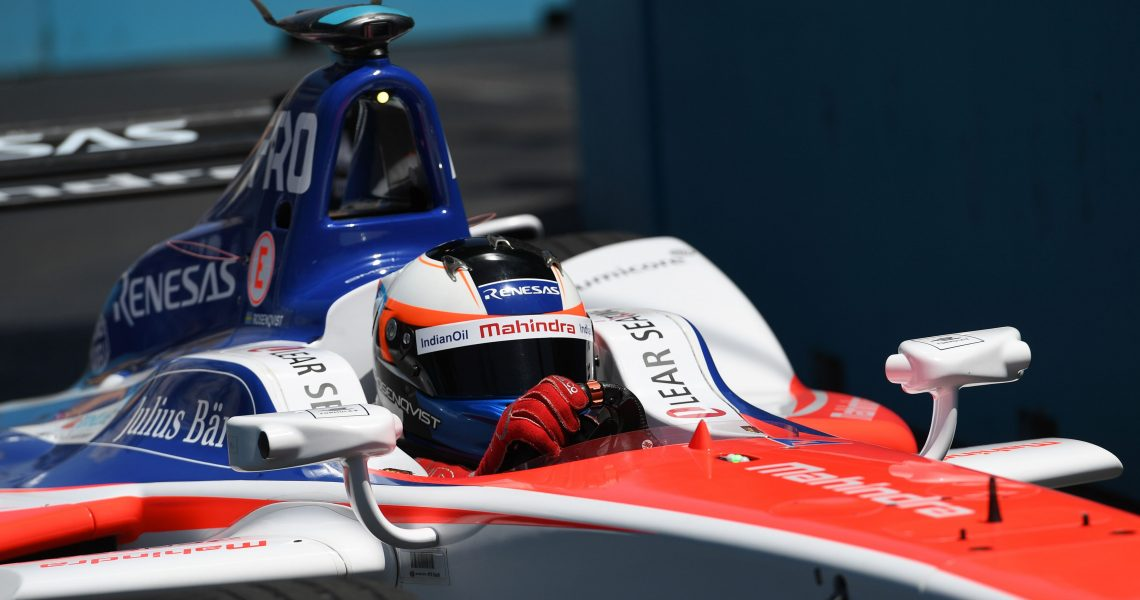 Rosenqvist masters Mexico City to take pole