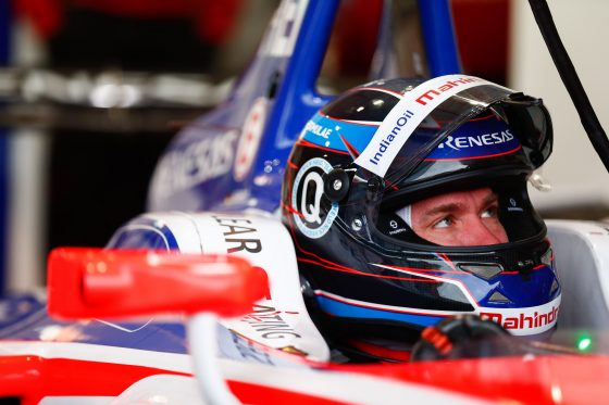 Heidfeld rules the historic grounds of Berlin in FP1
