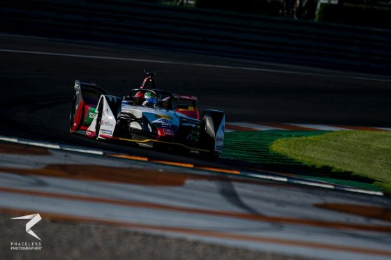 di Grassi pips Sims in simulation race