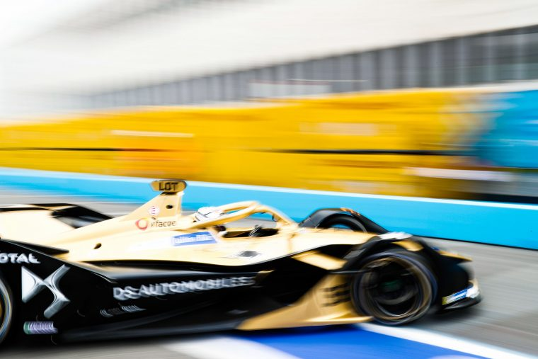 Lotterer surges to maiden pole in dry-wet-dry qualifying