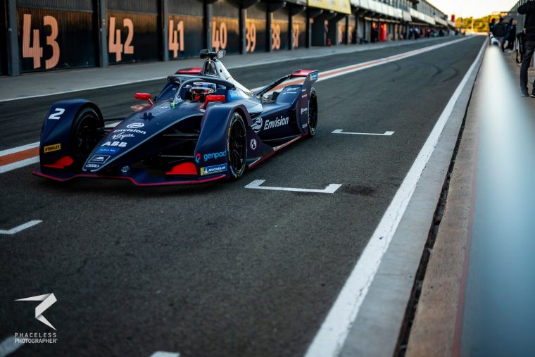 Bird flies to the fastest time in afternoon session