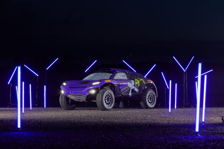 Extreme E: Sébastien Loeb and Cristina Gutiérrez Join Team X44